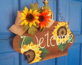 Rustic Welcome Sign, Decorative Sign, Wooden Welcome Sign, Door Hanger, Sunflower Wall Hanging, Wall Hanging, Hand Painted Sign, 17 x 91/2""