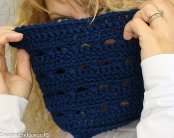 Navy Blue Barrel Cowl, Crochet Circle Scarf, Infinity Scarf, Blue Neckwarmer, Fall Fashion, Women's Circle Scarf, Blue Crochet Cowl