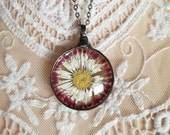 DAISY flower HEATHER Necklace, Terrarium necklace, woodland jewelry, Bohemian, Nature, Statement necklace,lovely, gift for her,one of a kind