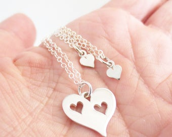 Hearts Necklace Set, Mom Daughter Jewelry, Mommy & Me, Mother's Day, Grandma Granddaughters, Heart Pendant, Two Necklaces, Gift for Mom Wife