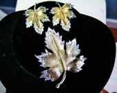 Sarah Coventry Demi Parure / Vtg 70s / Natures Choice Maple Leaf Set / Silver and Gold Brooch and Earrings