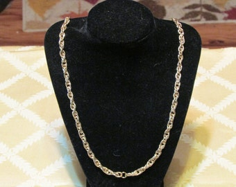 vintage goldtone chain link neckace 34 inches