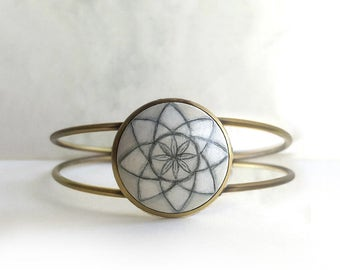 Hand Painted Bracelet, Sacred Geometry Bracelet, Charm Bracelet, Light Bracelet, Geometric Flower Jewelry, Geometry Art by Artdora