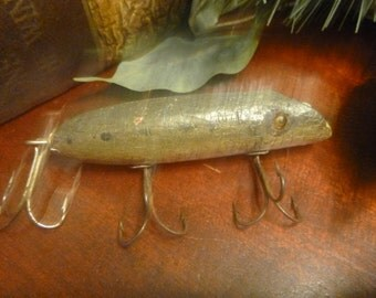 Wooden Late J.C. Higgins / Early PawPaw Fishing Lure With Glass Eyes    (T)