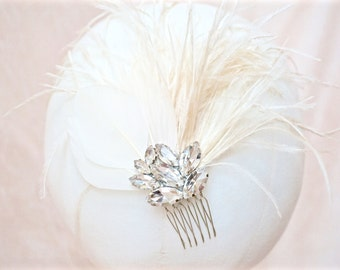 Ivory Feather Fascinator,Ivory Feather Hair Comb,Ivory Bridal Comb,Ivory Wedding Comb,Ivory Feather Bridal Comb,Ivory Feather Wedding Comb
