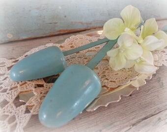 blue vintage shoe stretechers / pair / set of two / vintage shoe forms
