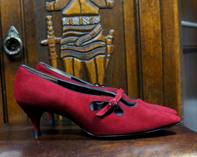 Wine Red Kitten Heels Suede Low Heel Pumps 7 B Narrow Vintage 1960s Shoes 2.5 Inch Round Low Stiletto Pointed Toe Buckle Straps Socialites