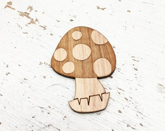 CHARACTER : Toadstool Brooch Pin
