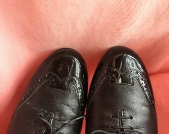 80s Vintage Black on Black Leather Wingtip Oxford Style Mini Heels