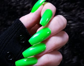 Neon Kiwi Green - Fake Nails - Press On Nails - Matte Nails - Stiletto, Oval, Square, Coffin/Ballerina