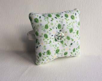 Handmade Green Flower Design Square Wrist Pin Cushion ( Approx. 8X8cm )