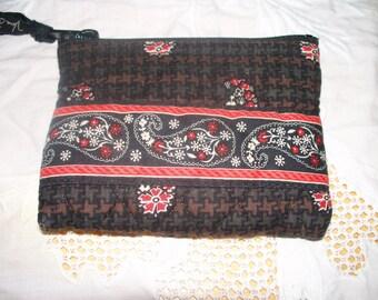 Vera Bradley Coin Purse  - Black Brown Red White  - Zippered Closure - Retired Pattern