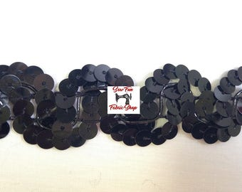 1 Inch Scallop Sequin Trim, Black.  6 yards.  Great for costumes, dance, theater, pageant, crafts, home decor.