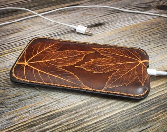 iPhone 7 Plus Leather Case with Leaves Impressed
