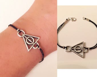 Small Triangle Bracelet, Antique silver Bracelet, Triangle Charm, Best Christmas Gifts, Kids Jewelry, Teenager Gifts, Best Gifts for Kids,