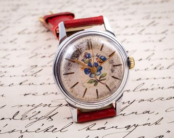 Kirovszkije watch,womens watch,womens watches,ladies watch,wind up watch,vintage ussr watch,ussr vintage,retro watch,hand painted watch