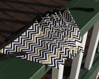 5 flag bunting banner - white, black and gold chevron w black binding