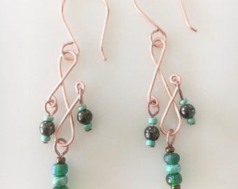 Green Beaded Earrings, Cute Wire Wrapped copper earrings, Handmade chandelier earrings, elegant