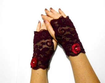 Ruby red short lace gloves, Maroon Short gothic gloves, red wine vampire gloves