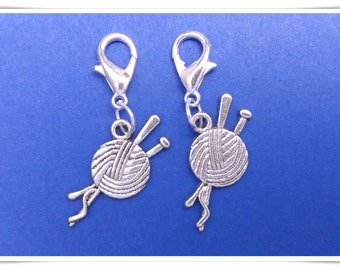 Yarn and needles crochet stitch marker. Silver plated with 14mm lobster claw clasp. Hand made by Kathryn of Crafternoon Treats