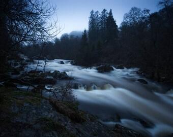 Rumbling Bridge - Waterfall - Nature Photography - Scotland, landscape photography, trees, forest, winter, blue, dark, slow shutter speed