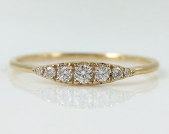 Seven-Stone Graduated  Diamond Ring in 18K Yellow Gold