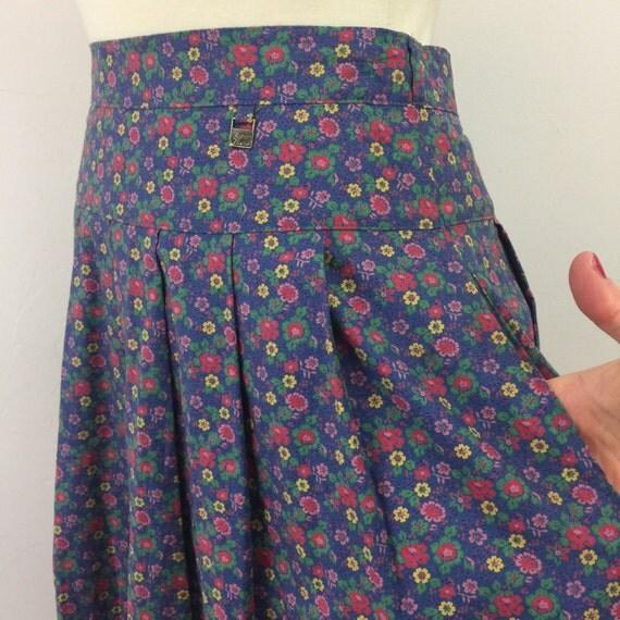 vintage full skirt Austrian Tirolian flowers blue midi skirt high waisted mom skirt folk 1950s style ric rac classic cotton dirndl UK 14 16