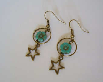 Bronze earrings with turquoise flower - Bohemian style - Gypsy jewelry