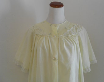 SALE Vintage light yellow peignoir and nightgown set - Shadowline