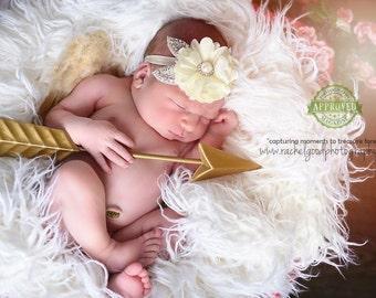 FLOKATI Faux Fur | White -5ft x 3ft Newborn Photo Prop,Faux Fur Fabric Photo Prop Blanket, Backdrop,Basket Filler,Newborn Fur,Long Pile Fur