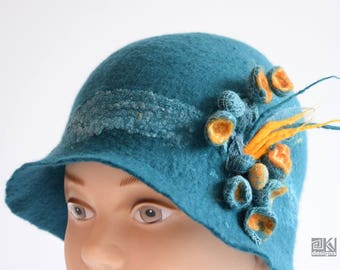 Petroleum hat, dark green hat, petroleum and yellow, elegant green hat, cloche hat, retro dress hat, hand felted hat, wet felted hat