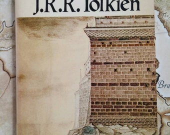 LOTR Return of the King JRR Tolkien Paperback Book Lord of the Rings Fantasy Magic Realism Novel