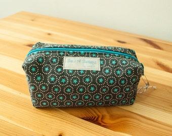 Blue stars and grey boxy zip bag-Small