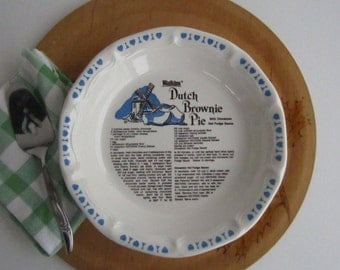 Watkins Ceramic Dutch Brownie Pie Plate – with Dutch Brownie Pie and Cinnamon Hot Fudge Sauce  Recipe 1980's