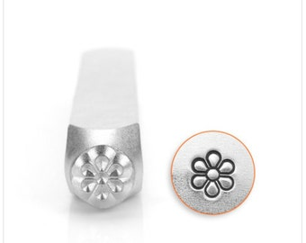 Flower burst design metal stamp - 6mm