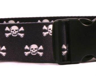 Black Skulls 2 inch wide collar