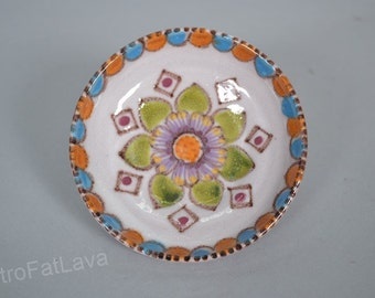 Beautiful decorated Italian small dish / bowl  by  Vincenzo Pinto - Vietri