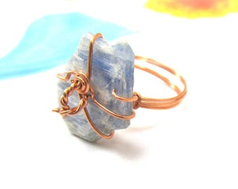 Raw Blue Kyanite Ring, Kyanite Shard Protection Ring, October Birthstone, Metaphysical Healing Kyanite Slab Ring, Copper Wire Wrapped Ring