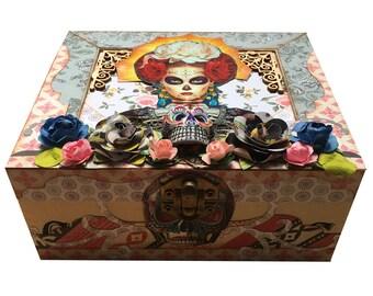 Catrina jewelry box / tea box