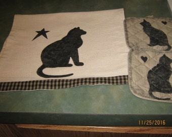 Primitive Cat Pot Holders and Towel Stenciled Permanent Paint Gift Set SALE Holiday House Warming Hostess