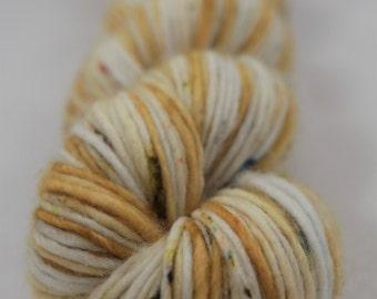 Hand-dyed yarn - superwash merino - speckles - DK - single ply - BLE