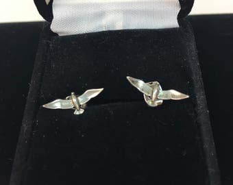 Vintage 1970s BIRD flying Bird  sterling post Earrings