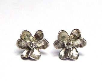 White Gold Flower Earrings - 18 K White Gold - Studs Earrings - Diamonds earrings - Seeds Collection - Free Shipping!!! .