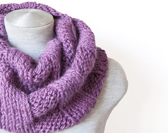 Knitted alpaca scarf - Infinity scarf - Oversized scarf - Purple scarf - Chunky circle scarf - Knitted cowl scarf - Hand knitted scarf