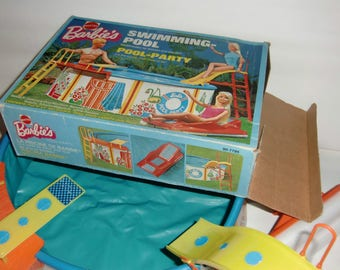 Barbie's Pool Party® / Barbie's swimming pool. 90-7795. For Barbie and her friends. Original packaging. © 1974 Mattel GmbH Germany. VINTAGE