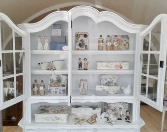 Old sideboard Shabby Chic / country house