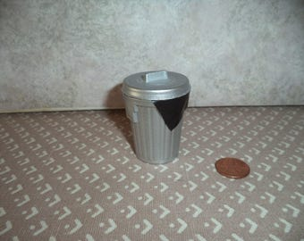 1:12 scale dollhouse Miniature Garbage Can