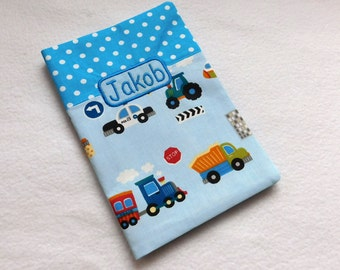 U magazine cover car with dots turquoise