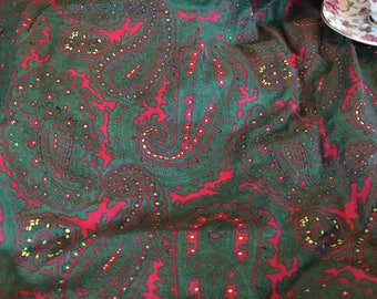 Vintage Retro 1970s Forest Green & Hot Pink Paisley Printed Cotton Fabric Yardage