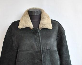 Vintage ORIGINAL SHEARLING COAT , women's lamb fur coat ......(233)